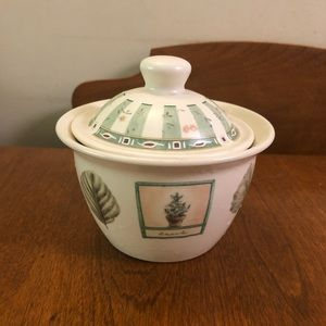 Pfaltzgraff sugar bowl and lid